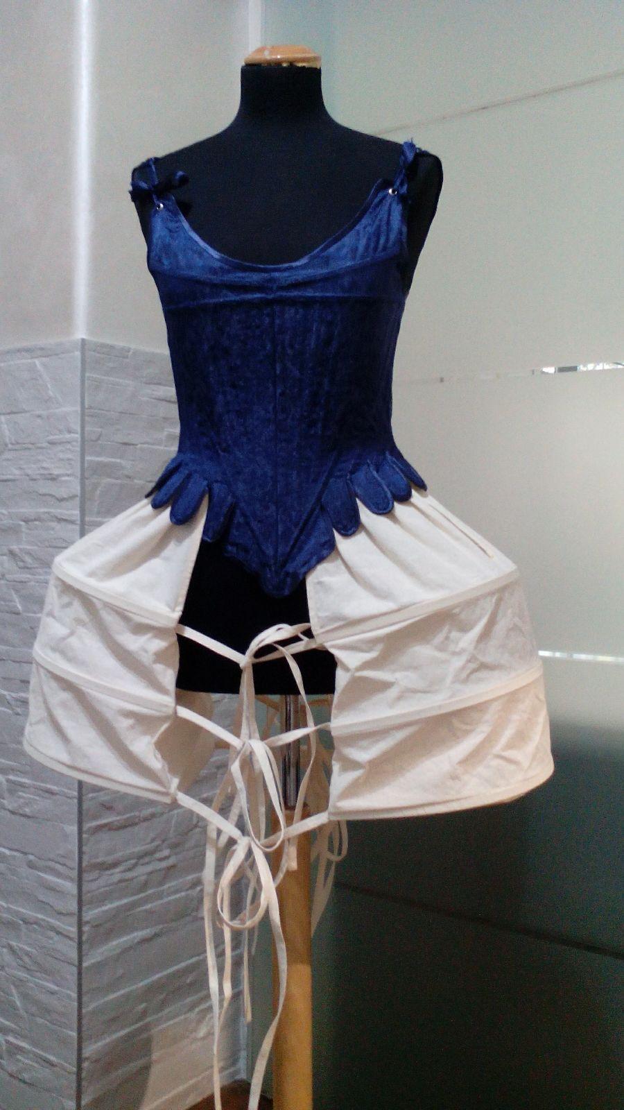 Corso di corsetteria storica